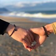 """""""Non so spiegarti l'amore. So che dentro c'è molto perdono, tanta cura, colori vastissimi, un po' di chimica, un po' di incastro e un po' di destino, brividi, capricci e risate e la voglia di avventurarsi insieme nelle spire incantate del tempo.""""💜  #braccialidonna #braccialiuomo #amore #creazioniartigianali #gioielleriaitaliana #handmade"""
