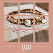 """Le cose preziose spesso sono le più semplici ✨ I gioielli """"SERENA"""" sono una collezione fatta di pura luce e amore da indossare.   Oro e Perle sono gli ingredienti principali di questa eleganza senza tempo. Trova il tuo preferito su 👉 https://www.lolinfinity.com/ricerca?controller=search&s=serena  #Serena #luce #amore #perle #lolinfinityshop #vetrodiboemia #ciondolocuore #braccialetti"""